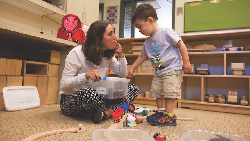 Rachel Harshorn SLP '19 works with children