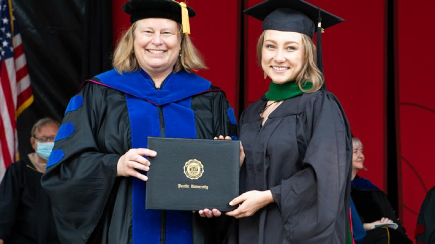 Alexandra Gray receives award at August commencement