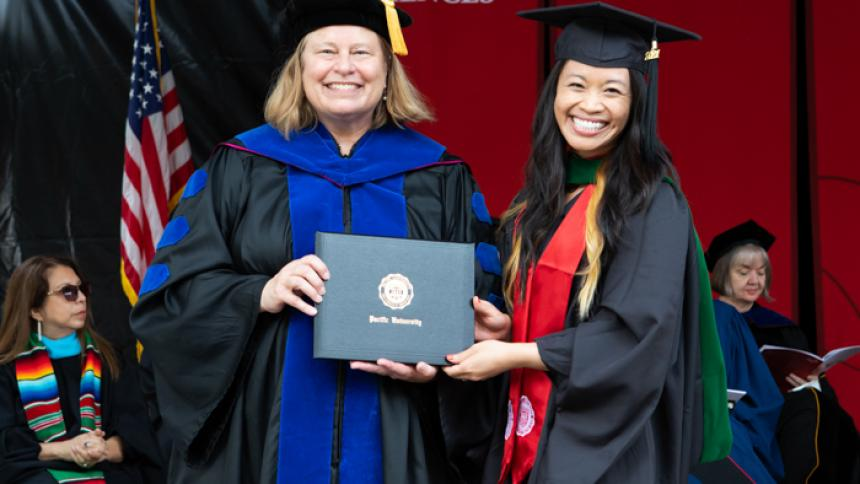 Jessica Nguyen receives award at August commencement
