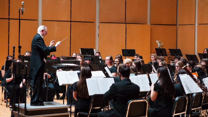 Dr Michael Burch-Pesses Conducting Symphonic Band