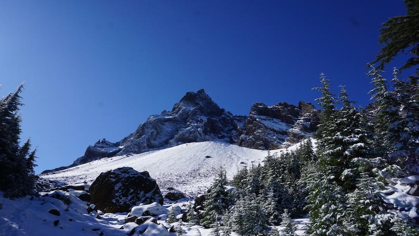 Mt. Thielsen covered with snow