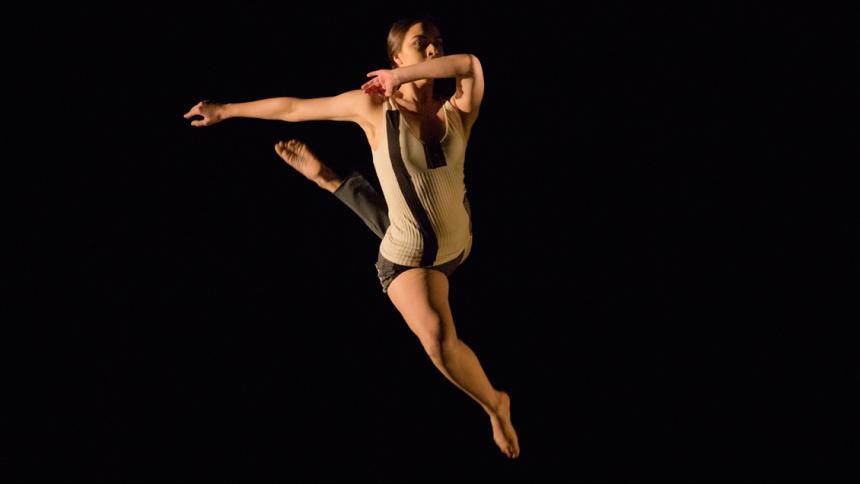 Leiana Petlewski '21 dancing