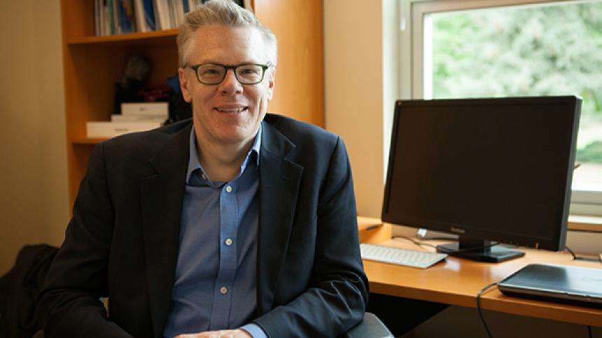 Dr. Leif Gustavson