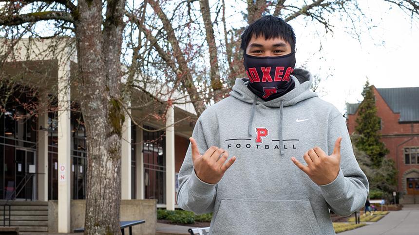 Gage Reis '21 wearing Boxer face mask