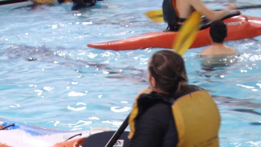 Kayak lesson in the pool