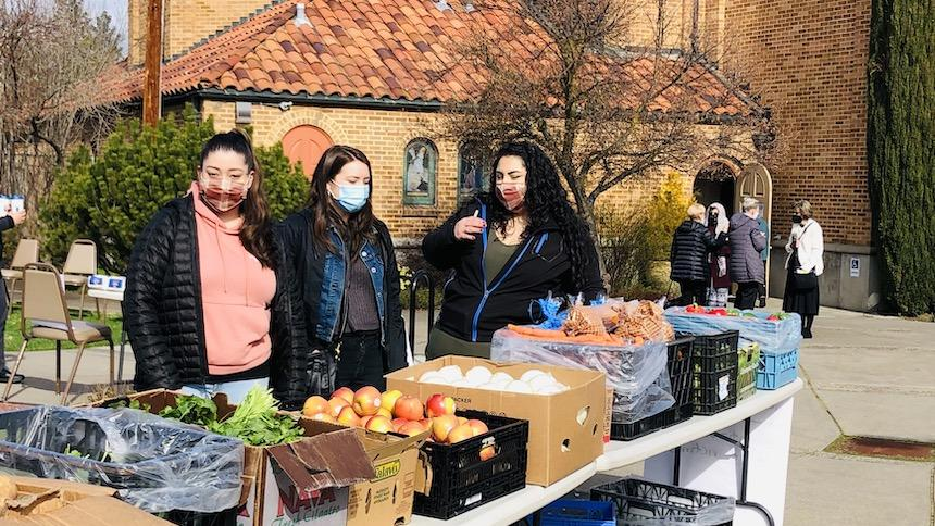 Students provide support to people affected by wildfires